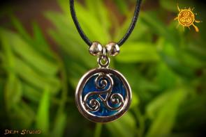 Triskel Abalon Muszla wisiorek i naszyjnik sznurkowy  – piękno życia, harmonia, ochrona