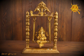 Ganesha Ganesza na huśtawce - usuwa przeszkody, zapewnia powodzenie, obfitość i dobrobyt