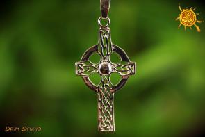 Krzyż Celtycki srebro - pewność siebie, doskonałe zdrowie, opieka, bezpieczna podróż