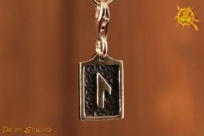Runa LAGUZ przywieszka charms srebro - oczyszczenie, uzdrowienie, natchnienie
