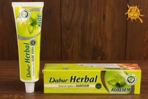 Pasta do zębów z aloesem DABUR Herbal - wzmacnia zęby, chroni przed próchnicą, koi dziąsła