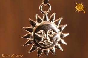 Słońce wisiorek srebro - symbol boskiej mocy, niszczy ciemność, szczęście w interesach