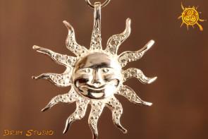 Słońce z cyrkoniami WISIOR SREBRO - źródło życia, symbolizuje boską moc