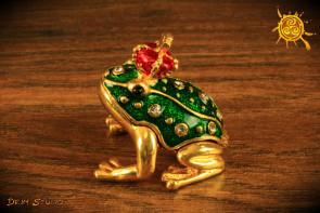 Żaba w koronie zaczarowany Król lub Królowa - poznanie przyszłego życiowego partnera