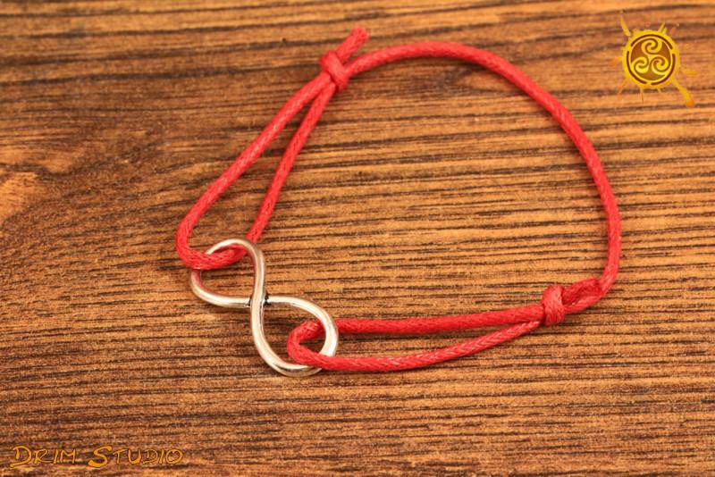 Znak NIESKOŃCZONOŚCI bransoletka czerwona kolor znaku srebrny - równowaga, moc ezoteryczna, obfitość