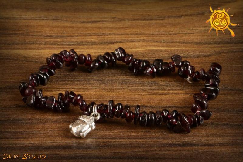 Granat bransoletka ochronna przywieszka Budda - siła życiowa, radość, spełnienie, ochrona
