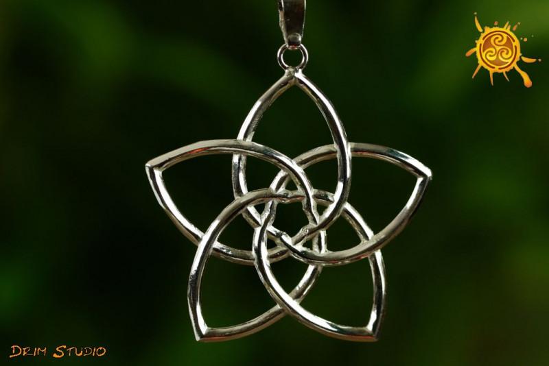 Kwiat Wenus wisiorek srebro – miłość, zmysłowość, intuicja, obfitość