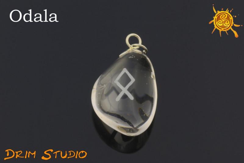 Kryształ Górski wygrawerowana runa Odala WISIOR - bezpieczeństwo, rodzina, dom