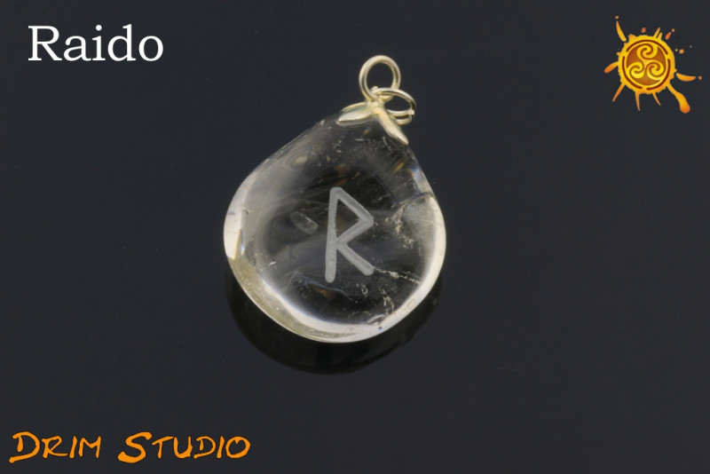 Kryształ Górski wygrawerowana runa RAIDO WISIOR - podróż, otwartość, entuzjazm