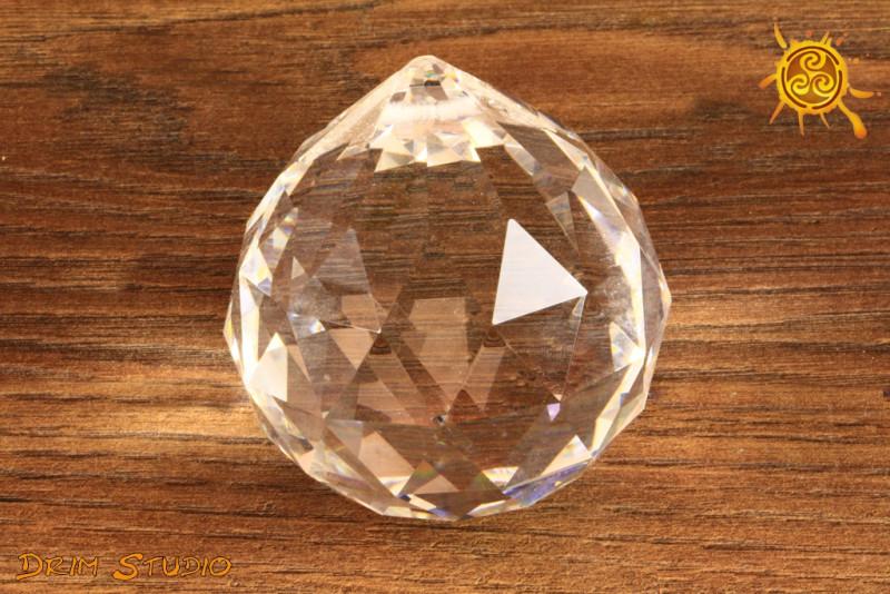 Kryształowa PRZEZROCZYSTA kulka 5 cm do zawieszenia FENG SHUI - kierowanie, pobudzanie energii