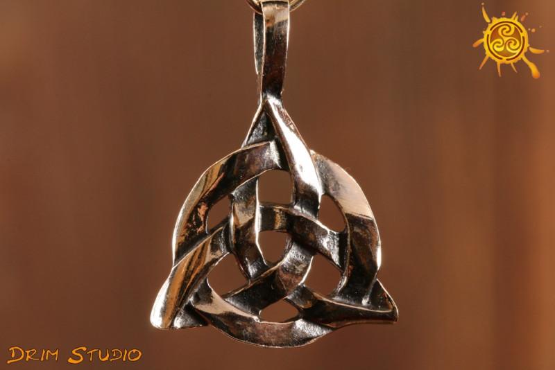Węzeł celtycki WISIOREK srebro - chroni przed klątwami, przyciąga życzliwych ludzi